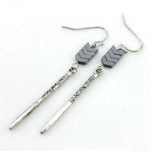 Jewelry - Hematite Chevron Spike Earrings